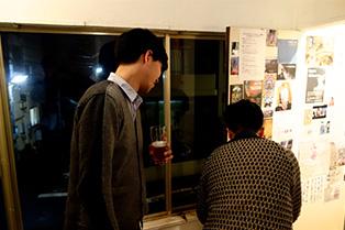 ギャラリーでは石川竜一さんと吉濱翔さんの「野生派宣言!」の展示中。小川さんから「それは見ない方がいいですよ」とう◯この映像を見る事を制される、、