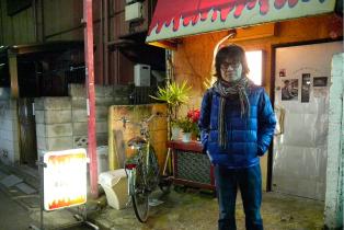 住宅地の路地裏にも素敵なお店が点在している。 これも高円寺の魅力。