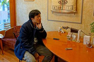武蔵境駅のほど近く「コヒーロースト」にてコーヒー豆を購入。 焙煎が出来上がるまで、のんびりトーク。